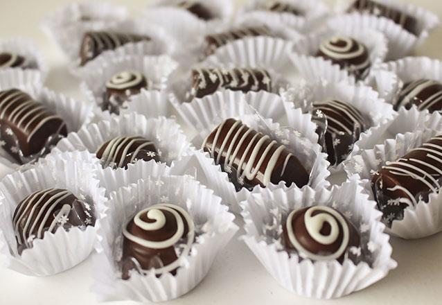 100 chocolates (40 chocolate Premium, 40 chocolates gourmet e 20 copinhos gourmet) por apenas R$129,90