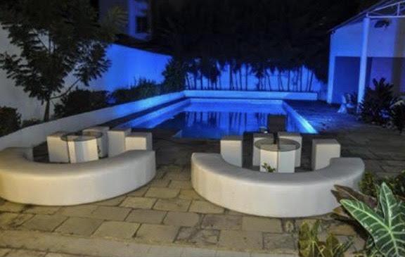 Sua festa no melhor lugar é no Harmony Buffet! - Buffet conceito jardim e aberto (segunda a quinta) + mesas e cadeiras + freezer + 5 pontos de luz decorativos por apenas R$799