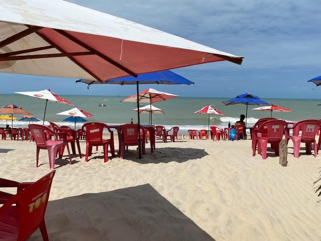 Salada Tropical (com Camarão no Abacaxi + 01 guarnição (baião ou arroz branco)  + 2 drinks (pina colada ou similar) de R$69,90 por apenas R$49,90 (para 2 pessoas)