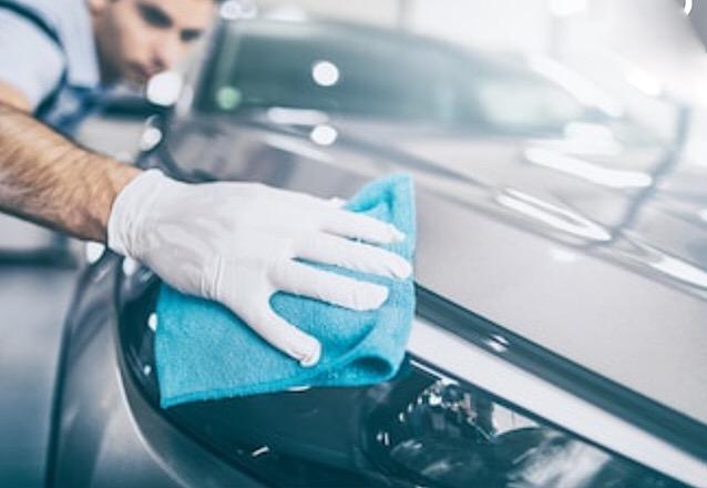 Vem deixar o seu carro com uma proteção mais resistente e mais brilho! Vitrificação Barão do Fumê de R$550 por apenas R$350