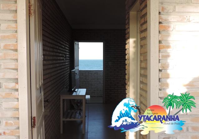 A diversão é garantida no Ytacaranha Hotel de Praia! 2 diárias (final de semana) + café da manhã + 01 almoço para até 4 pessoas (tilápia completa) + 2 ingressos adulto + 2 ingressos infantil de R$900 por apenas R$599