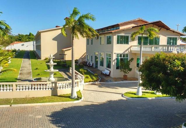 2 diárias em apartamento luxo para 2 adultos e 1 criança de até 5 anos + café da manhã de R$480 por apenas R$329,90