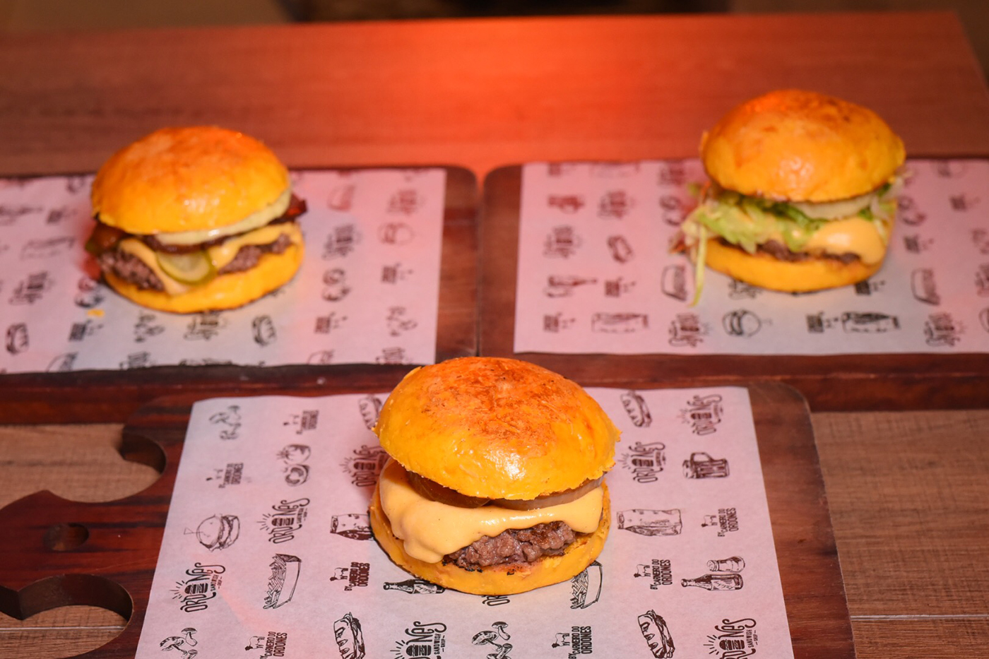Smash (Salad, Cheeseburger ou Bacon) de R$17 por apenas R$13,90