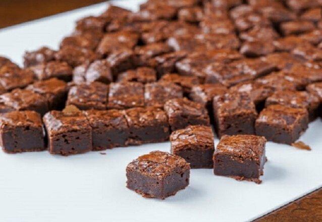 50 mini brownie de R$100 por apenas R$74,90