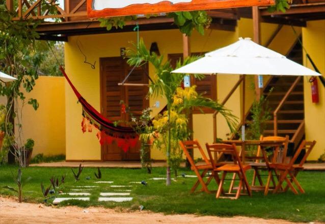 As belezas de Amontada ficam ainda mais incríveis na Pousada Dunas do Icaraí! 2 Diárias em Suíte Térrea para 2 adultos e 1 criança + café da manhã por R$649,90