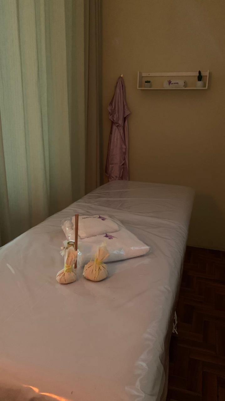 Cuide bem da sua pele com o tratamento perfeito da Fisioactivity! Limpeza de pele + massagem relaxante (1hr) de R$300,00 por apenas R$179,90