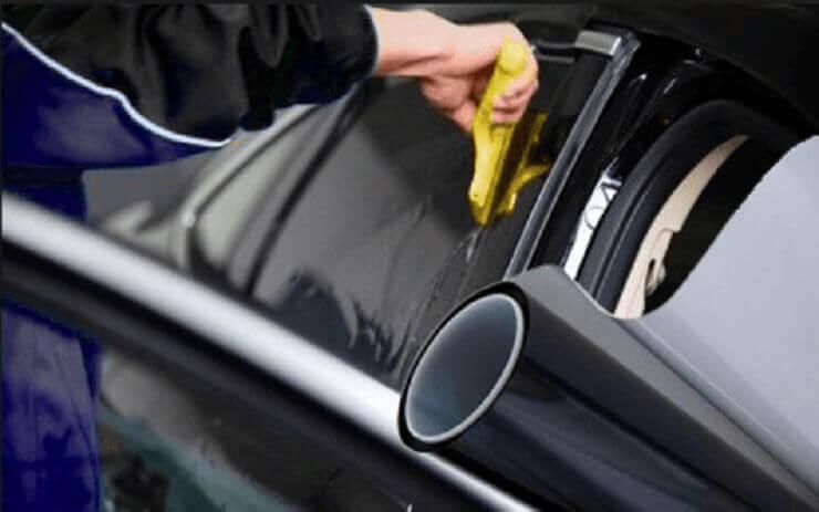 Película fumê para carros pequenos de R$119,90 por apenas R$99,90
