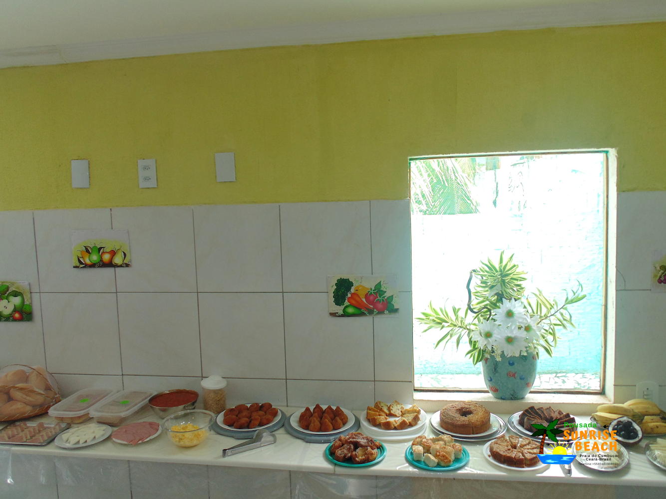 1 diária para 2 adultos e criança até 05 anos no quarto térreo + café da manhã (domingo a quinta) de R$200 por apenas R$120