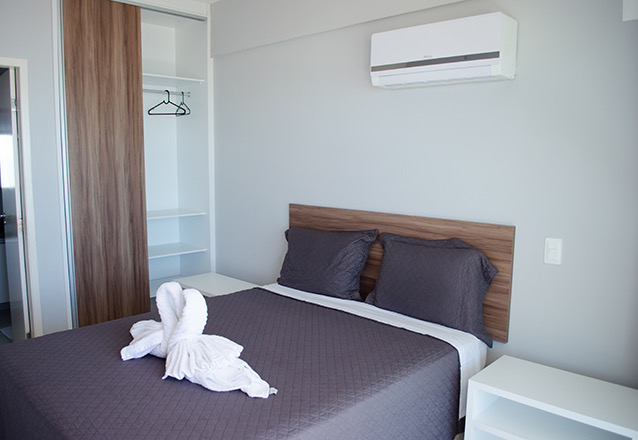 1 diária para 2 adultos e 01 criança de até 10 anos  (check-in domingo a quinta) em apartamento mobiliado por apenas R$299