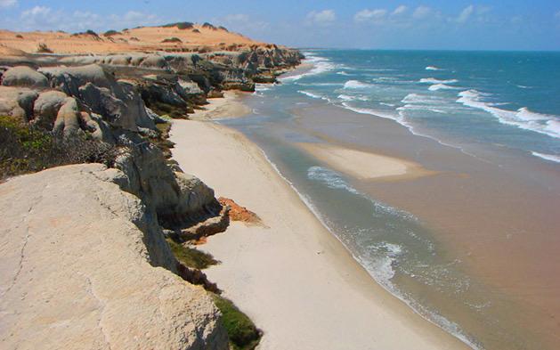 Oferta Relâmpago!! Venha passar dias incríveis no Praia das fontes Suítes! 2 diárias (final de semana) para 2 pessoas e 1 criança de até 12 anos GRÁTIS + Café da Manhã por apenas R$119,90
