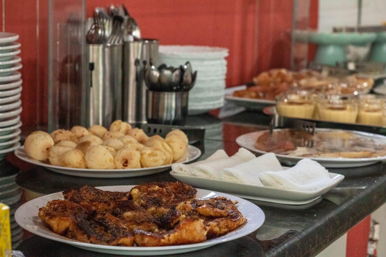 1 diária para 2 adultos e 01 criança até 04 anos + café da manhã de R$250 por apenas R$179