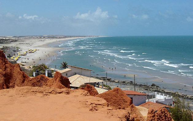 A tranquilidade perfeita da praia no final de semana do feriado! 3 diárias para 2 adultos e 1 criança de até 12 anos GRÁTIS + Café da Manhã por apenas R$299,90 no praia das fontes suítes