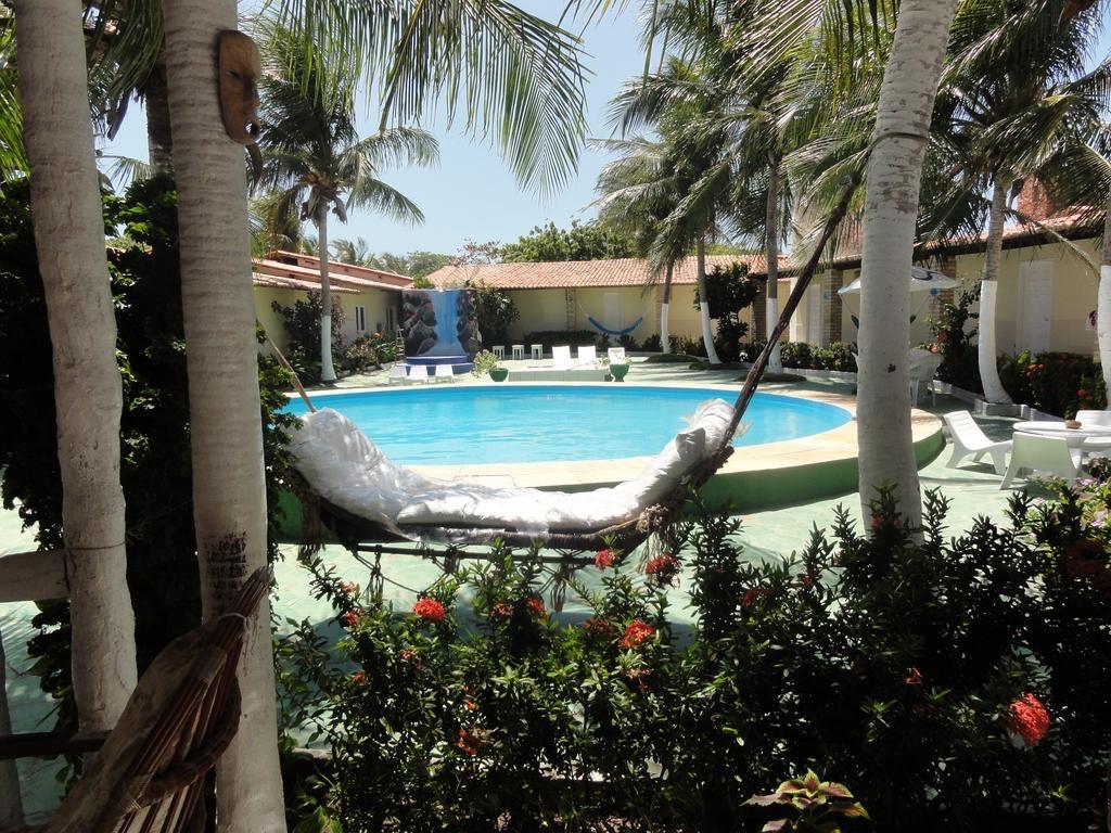 O Melhor lugar para ficar em Jericoacoara! 2 Diárias para 2 adultos e 1 criança de até 5 anos + café da manhã de R$500 por apenas R$329,90 na Hippopotamus Jeri Pousada
