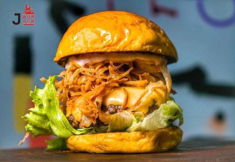 Super inauguração da nova loja Jango Burger Aldeota! 01 Crock de R$27 por apenas R$14,90. Uma das maiores delícias de Fortaleza!