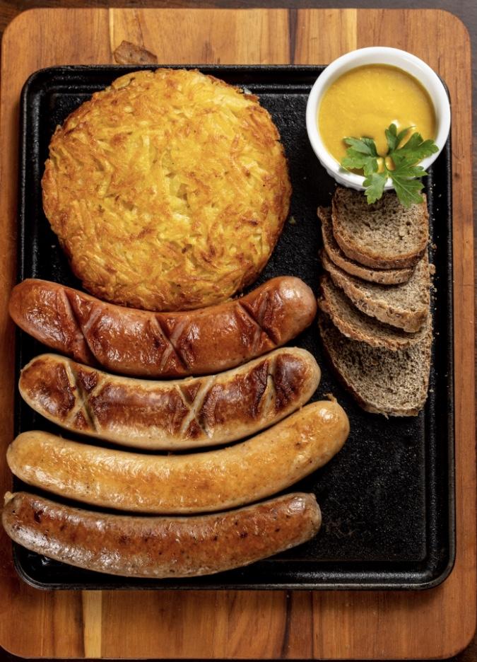 Venha se deliciar no melhor restaurante alemão de Fortaleza!! 1 torre de chopp + 1 quarteto alemão de R$122,90 por apenas R$99,90 no Brauhaus