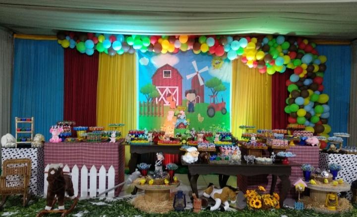 Tudo que seu evento precisa! Serviço de Buffet para Festa Infantil para 60 pessoas por apenas R$2.199 no Arca Festa Buffet