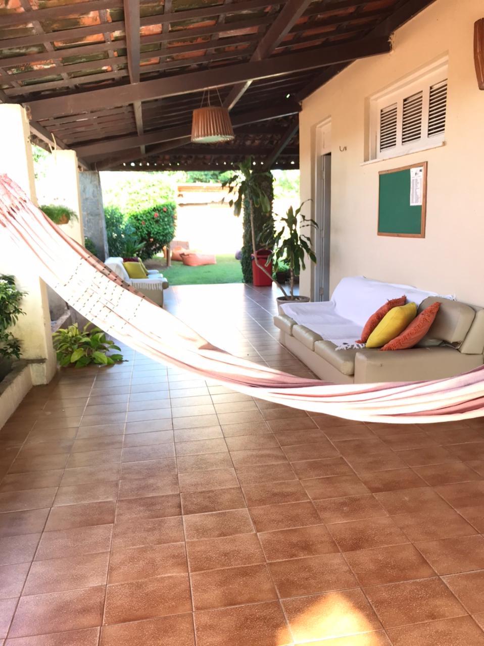 1 diária para 2 adultos e 1 criança até 05 anos no quarto térreo + café da manhã (domingo a quinta) de R$160 por apenas R$149