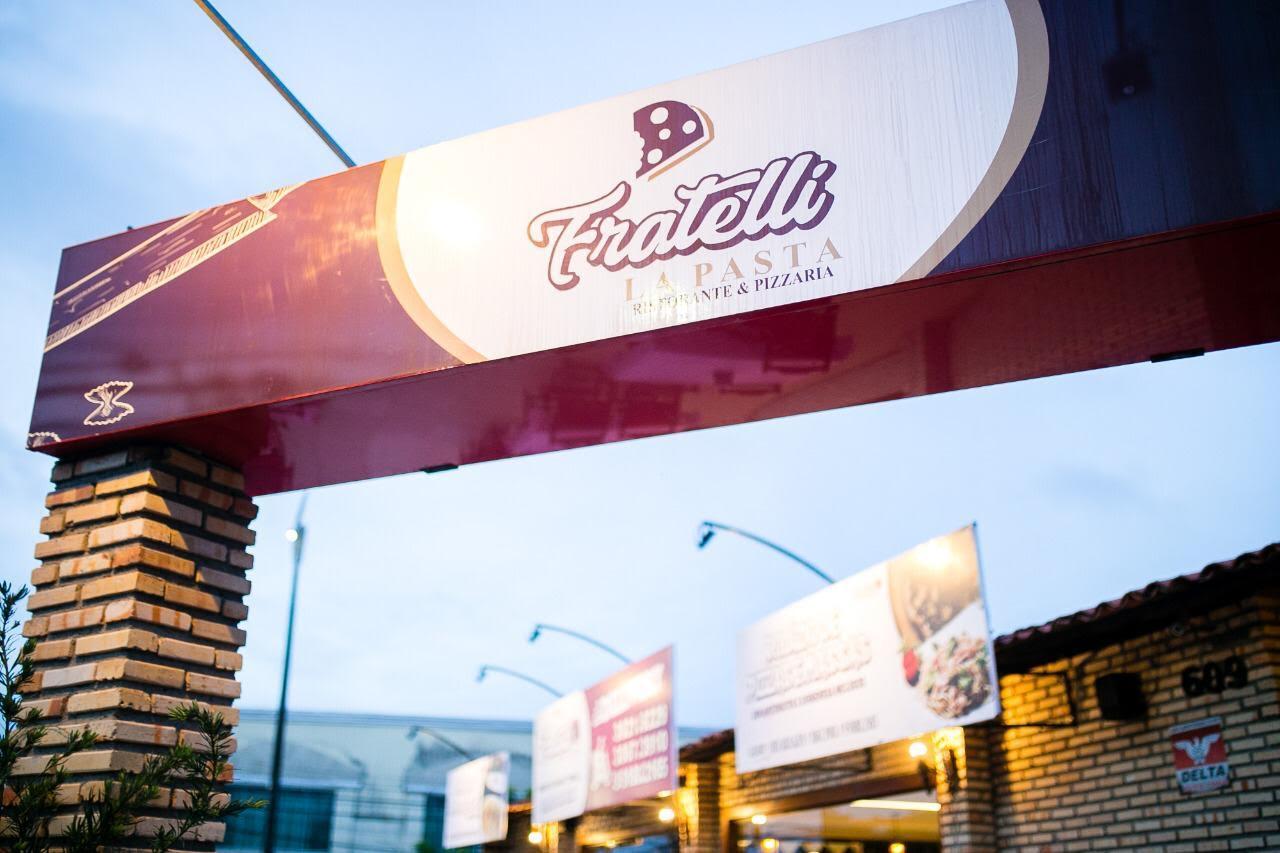 Rodízio de qualidade é no Fratelli la Pasta! 01 rodízio completo de pizzas, esfihas e massas de R$42,90 por apenas R$37,90
