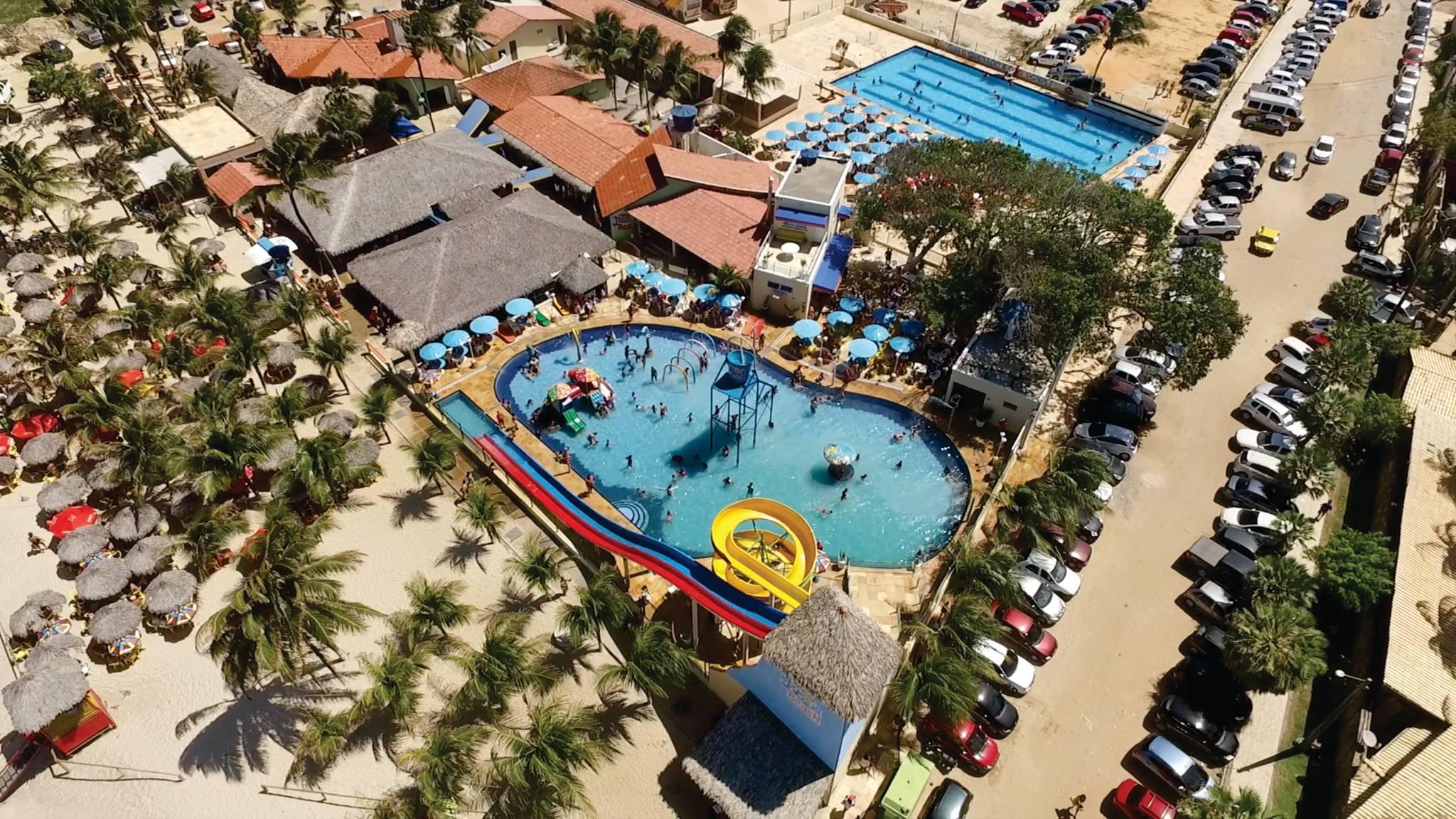 Segunda a Sexta - 2 Passaportes para o Parque Aquático + Calabresa (400g) e Batata Frita de R$138,00 por R$84,90
