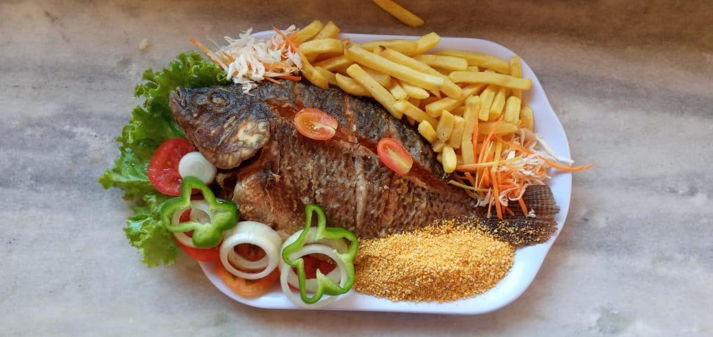 Segunda a sexta - 2 Passaportes para o Parque Aquático + Tilápia Grande (1k) + baião ou arroz e batata frita de R$158 por R$89,90
