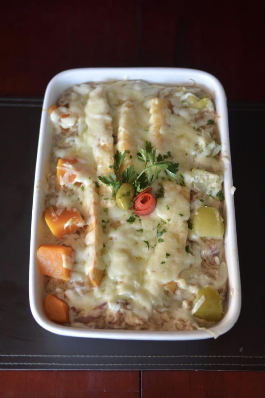 Aproveite os melhores pratos no Carneiro do Ordones Jovita! Filé de carne a parmegiana, Filé de peixe a parmegiana ou Peixe a delícia de R$40 por apenas R$36,90