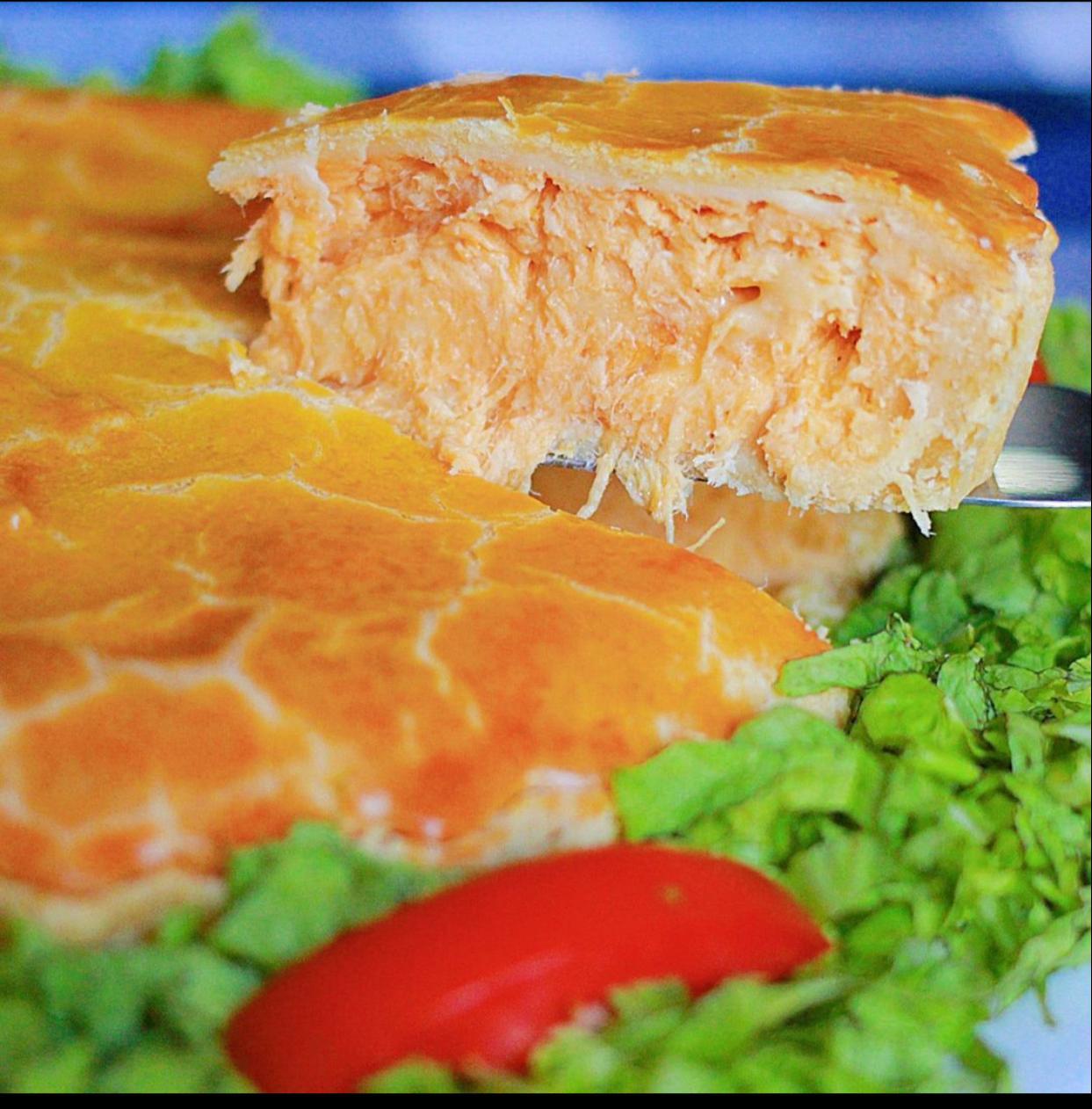 Torta Frango de 1,5kg de R$90 por apenas R$79,90 (para até 8 pessoas)
