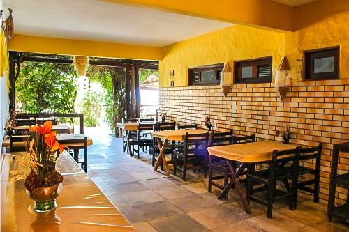 Conheça Flecheiras! 2 Diárias na semana para 2 adultos e 1 criança de até 4 anos + café da manhã por apenas R$349,90 na Pousada Vira Sol