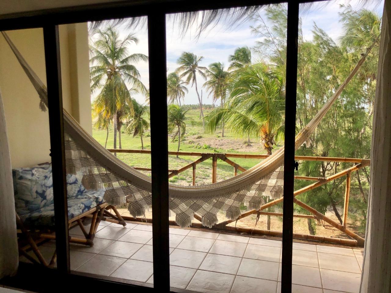 Todo o luxo da Praia de Tremembé em Icapuí! 2 Diárias em Apartamento Luxo Superior (semana) para 2 adultos e 1 criança  (de até 6 anos) com café da manhã por apenas R$399 no Hotel Casa do Mar