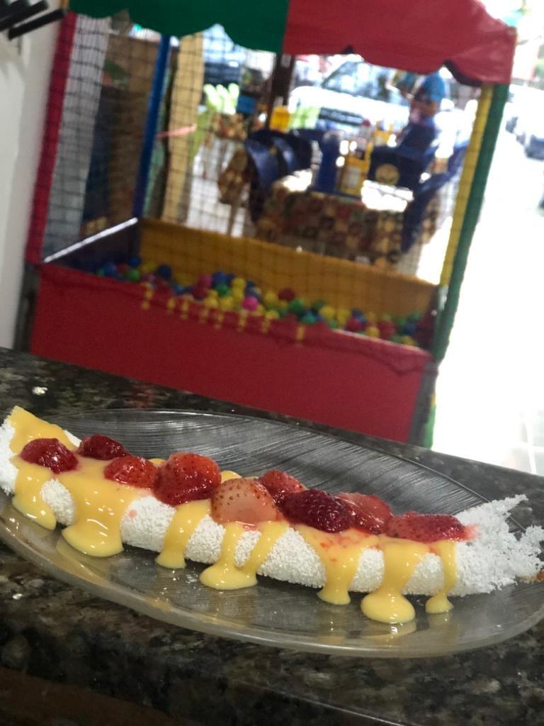 A hora do lanche chegou! Tapioca com 2 tipos de recheio + Café com leite, Achocolatado (quente ou frio), Cappuccino ou Suco de R$29 por apenas R$14,50 na Tapiocaria Maria Redonda