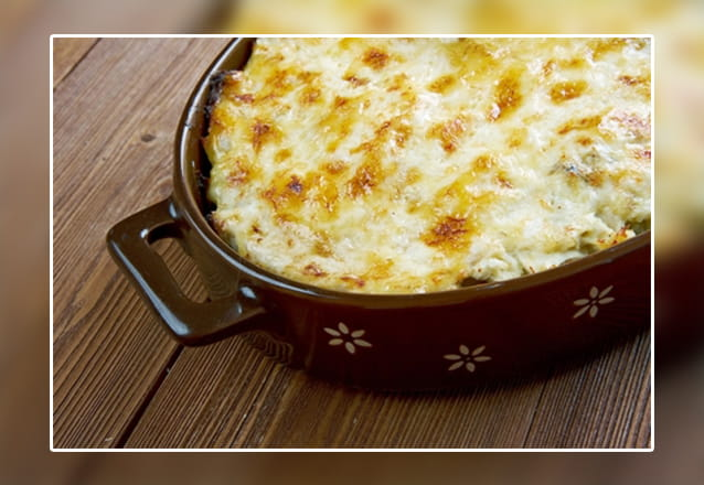 Seu jantar ou almoço à portuguesa! Entradas + Bacalhau à Zé do Pipo OU Bacalhau com Natas + Sobremesa para 2 pessoas e 1 criança por R$64,90 no Restaurante Lagar