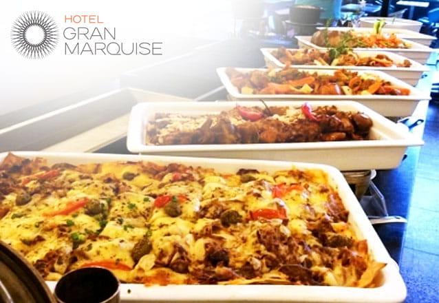 Sirva-se à vontade! O melhor Buffet Nordestino livre para 1 pessoa no Restaurante Mucuripe, do Hotel Gran Marquise por apenas R$35